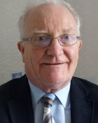 Rev Ian McNie
