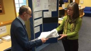 Environment minister Yvonne Burford and one of the petition organisers Deputy Lester Queripel