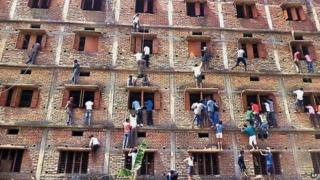 Exam cheating in Bihar, India, 18 March 2015