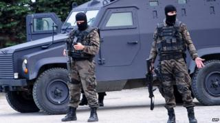 Turkish special forces deployed to police HQ, 1 Apr 15