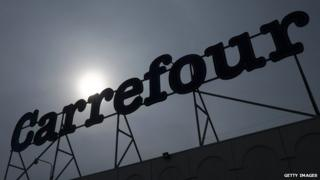 carrefour sign