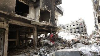 Bomb-damaged buildings in Yarmouk camp, Damascus (9 April 2015)