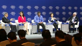 Panel at 2015 World Economic Forum, Linda Yueh talking to Mustapa Mohamed