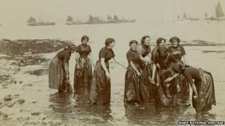 Isle of Man Herring Girls