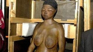 Sarah Baartman cast in Paris 2002