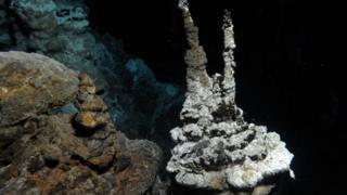 Hydrothermal vent on Arctic Mid-Ocean Ridge