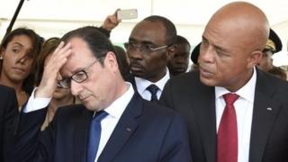 French President Francois Hollande (left) and Haitian President Michel Martelly in Port-au-Prince. Photo: 12 May 2015