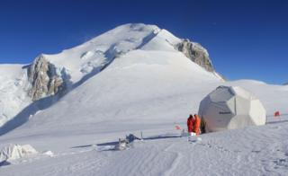 French team on the Col du Dome