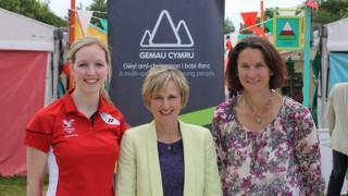 Carissa Turner, Efa Gruffydd a Sue Maughan