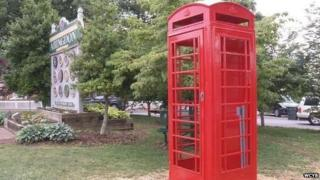 Red phone box in Abingdon, US