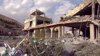 أحد المواقع المتضررة في برزة، دمشق، 14 أبريل/نيسان 2018