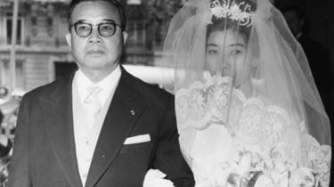 Souvanna-Phouma đưa con gái đi cưới chồng trong ngày lễ 3/07/1962 ở Paris