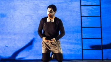 Türk tenor operayı Roma'nın kenar mahallelerine taşıyor