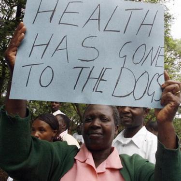 Zimbabwean doctors and nurses demonstrate in Harare (18 November 2008)