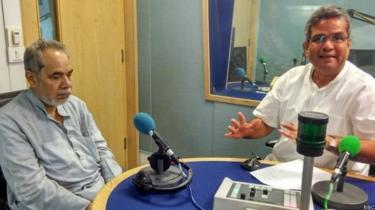 बीबीसी स्टूडियो में राम बहादुर राय और रेहान फ़ज़ल