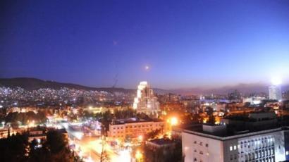 أحد الصواريخ فوق دمشق