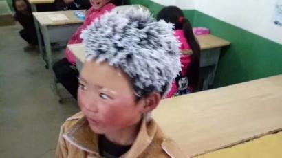 【中国】髪が凍った少年の写真がネットで出回り、貧困めぐる議論が再燃 YouTube動画>4本 ->画像>55枚