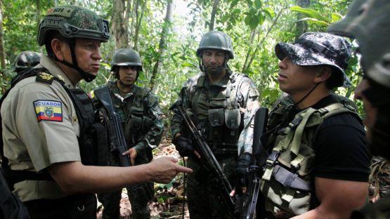 Soldados y militares de ambos países