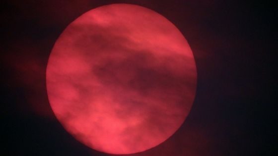 Red sun as viewed in Worcestershire
