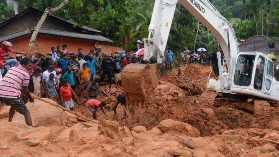 Sri Lanka floods: Scores die as monsoon triggers mudslides - BBC News