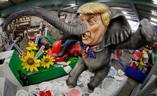 Трамп-слон 21 февраля 2017.