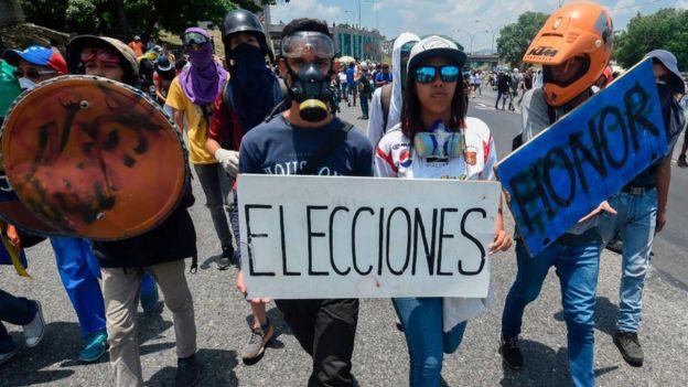 Desde finales de marzo, la oposición ha protagonizado protestas contra el gobierno de Maduro.