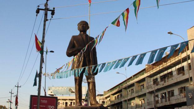 1959 olaylarında öldürülen Türkmen lider Ata Hayrullah heykeli