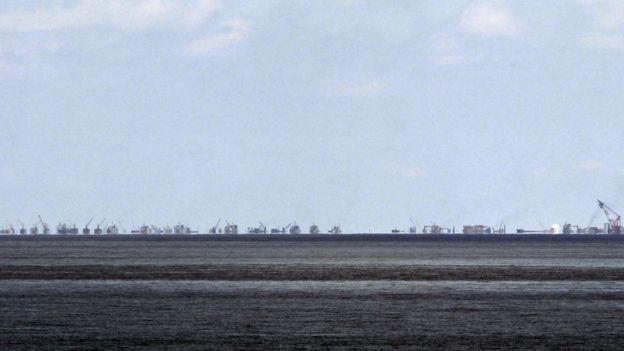 中國在南海填海造島