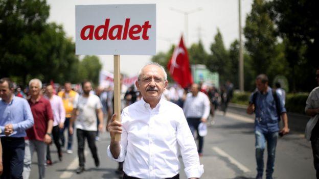 CHP lideri Kılıçdaroğlu, Berberoğlu'nun tutuklanma kararını kabul etmediklerini belirterek Ankara'dan İstanbul'a yürüyüş başlattı.