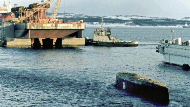 Ara San Juan, el ahora olvidado submarino Argentino desaparecido con 44 tripulantes a bordo - Página 2 _98880710_kurskultima