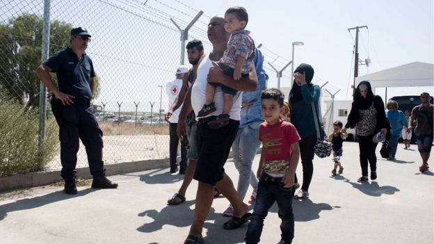 Migrant crisis: UK aid budget will help fund refugees response ...