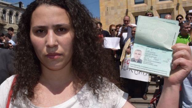 Afgan's wife Leyla Mustafayeva protests over her husband's detention