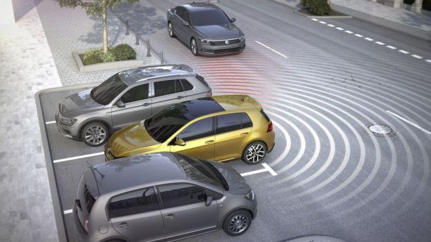 Ters AEB sistemi de aracı arkadan görünmeyen tehlikelere karşı koruyor