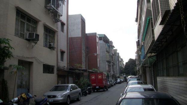 全台灣有40多萬老舊公寓,防火設施和逃生通道都不符合需要。