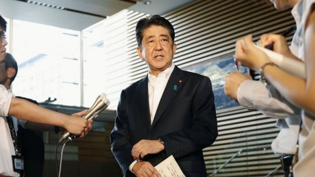 Japanese Prime Minister Shinzo Abe speaks to reporters about North Korea's missile launch in Tokyo (29 August 2017)