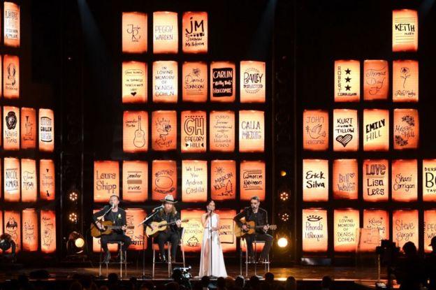 Homenaje a las víctimas de Las Vegas y Manchester en los Grammy 2018