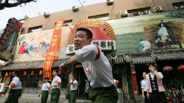Cultural Revolution-Themed Restaurants Popular In Changchun
