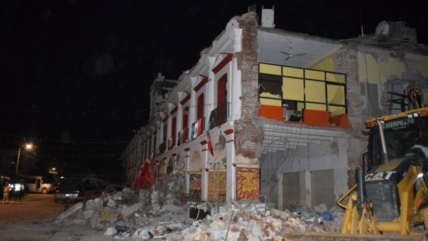 Prédio destruído pelo terremoto
