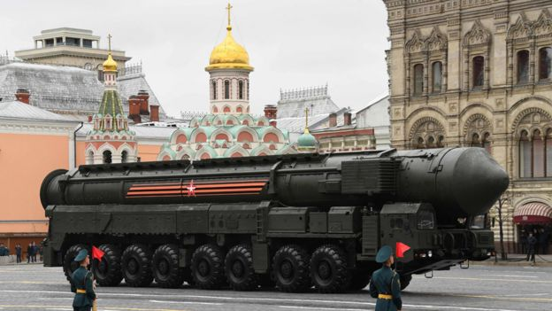 Yars RS-24 intercontinental ballistic missile on parade, 9 May 17