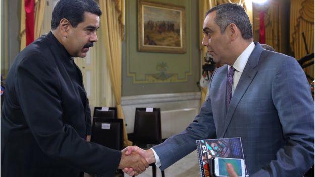 Nicolás Maduro con el presidente del Tribunal Supremo de Venezuela, Maikel Moreno.