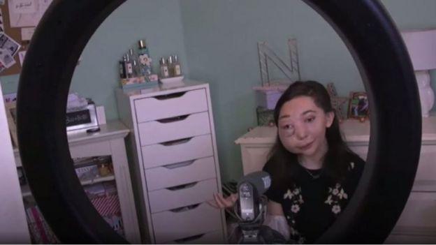 Nikki grava vídeo