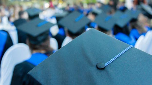 Acto de graduación universitaria