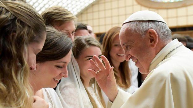 El Papa Francisco durante una audiencia general semanal en el Vaticano el 9 de agosto de 2017