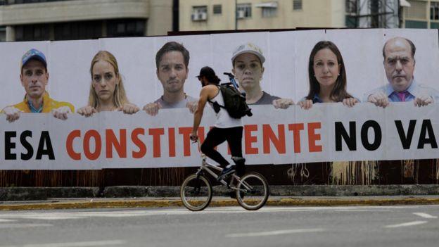 Letrero contra la Constituyente en Venezuela