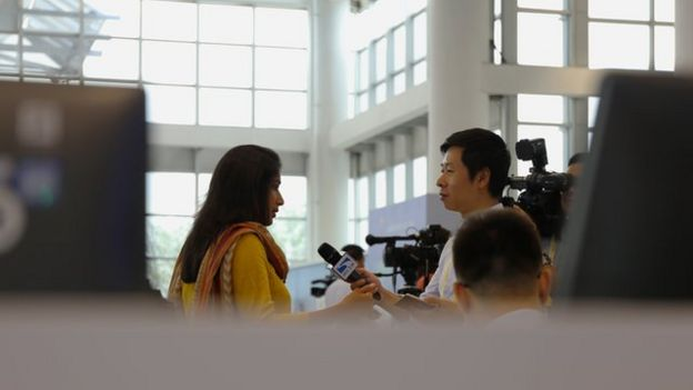 印度記者接受中國媒體採訪