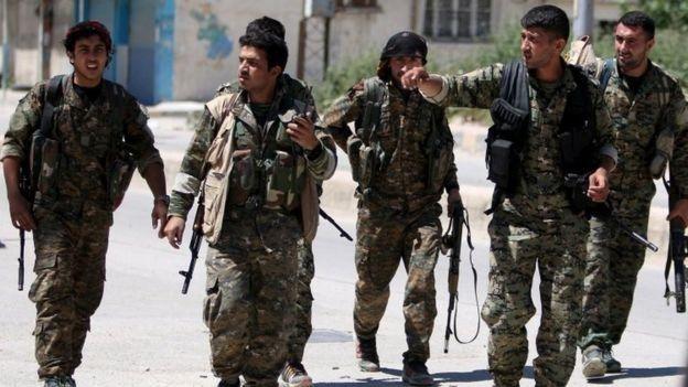 Rebeldes del grupo rebelde sirio Unidades de Protección Popular (YPG).