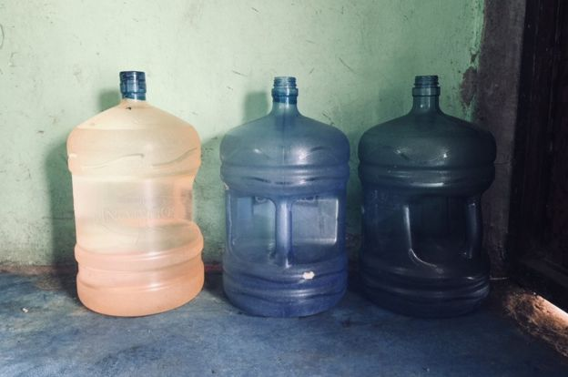 Garrafones de agua.