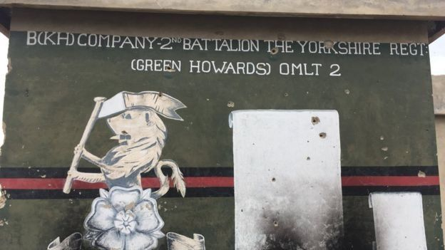 Un cartel en inglés