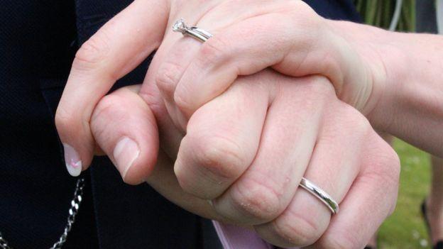 ازدواج 'به بازگشت سلامتی بیماران قلبی کمک میکند'