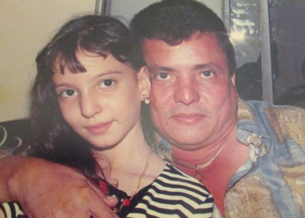 Diana ainda criança com o pai